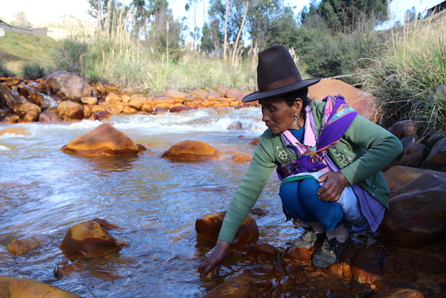 fructuosa20cruz20and20contaminated20waters20by20her20village